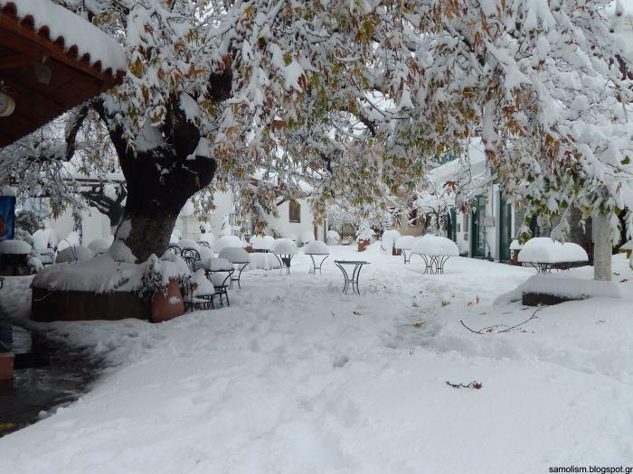 Σημερινές φωτογραφίες και βίντεο από τη ζωσμένη στα χιόνια Κρήτη