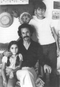 Ο Νίκος Ξυλούρης με την κόρη του Ειρήνη και τον γιο του Γιώργο.