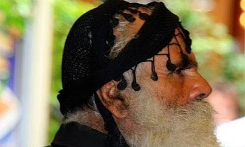 Κρητικό ανέκδοτο: Ο γέρο Μανούσος και οι γιοί του