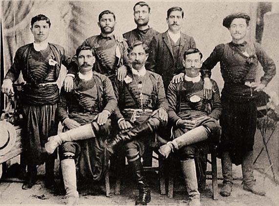 Κάποτε φορούσαν όλοι στιβάνια... Κάρτ ποστάλ (αρχές 20ου αιώνα).