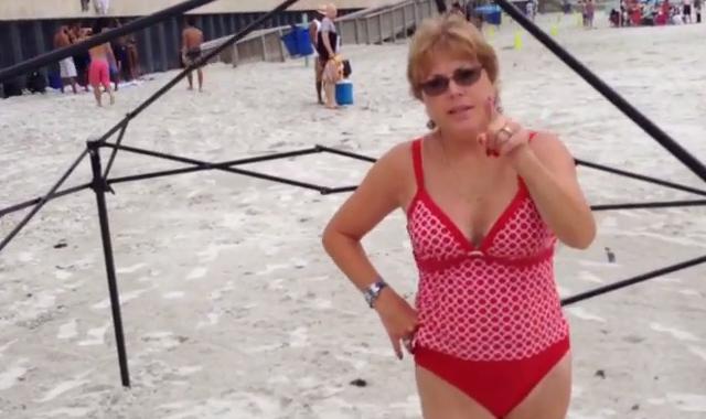 Έδιωξαν Ελληνίδα από παραλία στο Τυμπάκι γιατί …ανήκει σε Ολλανδούς και Γερμανούς!