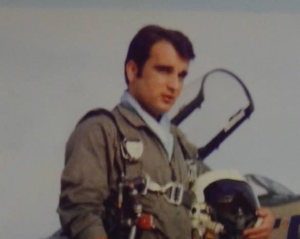 Ένας ήρωας που δεν γνωρίζουμε. Ο Ανθυποσμηναγός που θυσίασε την ζωή του για ένα ολόκληρο χωριό στην Κρήτη