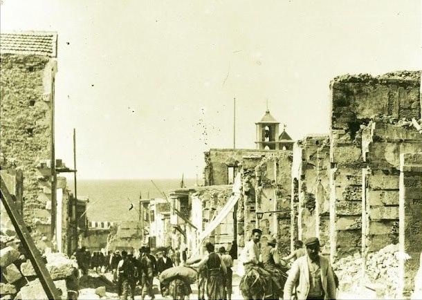 Στη φωτογραφία απεικονίζεται η περιοχή Βεζίρ Τσαρσί η σημερινή 25ης Αυγούστου στο Ηράκλειο