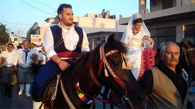Ο Κρητικός Γάμος – Μαντινάδες, Ήθη και Έθιμα