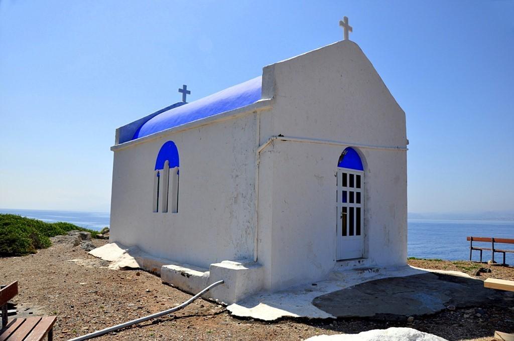 Το εκκλησάκι της Ανάληψης, στο νησάκι Ντία Ηρακλείου