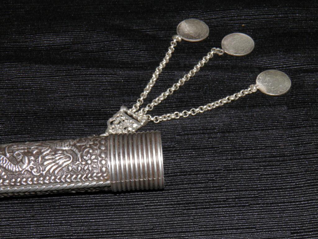 Θήκη Κρητικού μαχαιριού (Φουκάρι) με σκαλιστές λεπτομέρειες