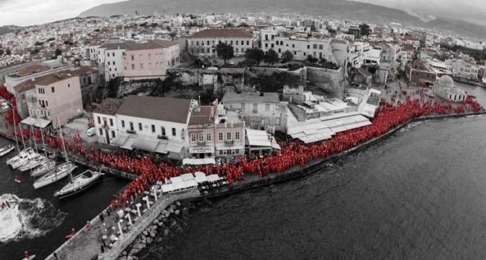 «Run Santa, run». Χιλιάδες Αγιοβασίληδες τρέχουν στην Κρήτη και δημιουργούν μια νέα παράδοση …που θα τη ζήλευε και ο Άγιος