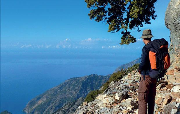 """Ιταλός σχεδίασε και περπατά την """"Κρητική Στράτα"""", τη διαδρομή 500 χλμ από το ένα άκρο της Κρήτης στο άλλο!"""