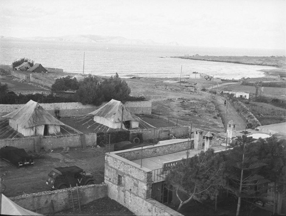 Κρήτη 1941. Άποψη από το λιμάνι του Ηρακλείου στο ακατοίκητο νησί Ντία