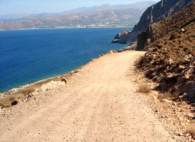 Ο δρόμος για την παραλία του Μπάλου