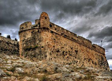 Τρία κάστρα της Κρήτης ανάμεσα στα πιο εντυπωσιακά της Ελλάδας