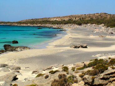 Ούτε Μπάλος, ούτε Ελαφονήσι: Δείτε ποια Χανιώτικη παραλία είναι στις καλύτερες άγριες, παρθένες παραλίες της Ευρώπης