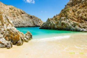 Η ωραιότερη «άγνωστη» παραλία της Κρήτης που.. κοντράρει τον Παράδεισο!