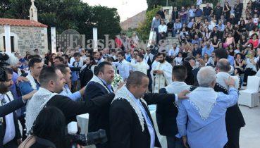 Κρητικός γάμος και βάφτιση για ρεκόρ Γκίνες – 13 νονοί και 13 κουμπάροι