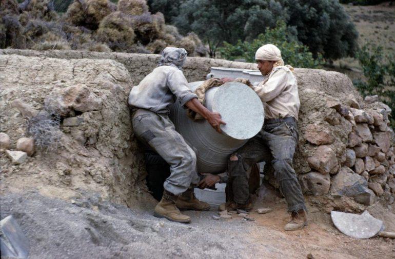 Πρέβελη: Η κεραμική του 1960, μέσα από υπέροχες έγχρωμες φωτογραφίες