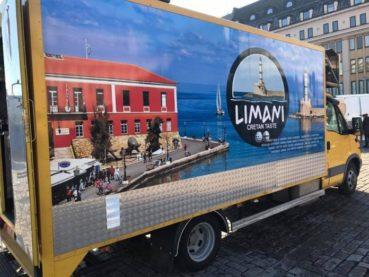 Ο Κρητικός που μετέφερε τα Χανιά στη Φινλανδία με τη δική του «τροχήλατη ταβέρνα»!