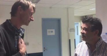 Γιατροί στην Κρήτη έσωσαν τη ζωή Γερμανού και επέστρεψε στο νοσοκομείο να τους ευχαριστήσει