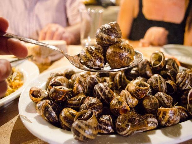 Στην Κρήτη όσο και να φας... δεν έχεις φάει πράμα | Χιούμορ | Κρήτη & Κρητικοί