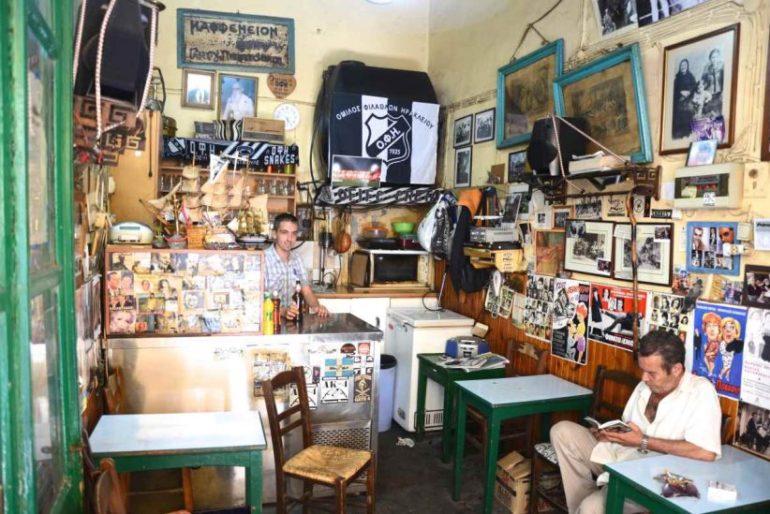 """Το καφενείο """"Σαρανταυγά"""" στο Ηράκλειο"""