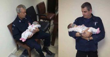 Αστυνομικοί πρόσεχαν μικρό μωράκι στα Δικαστήρια Ηρακλείου