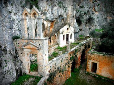 Μοναστήρι δέκα αιώνων στην Κρήτη – Μονή Καθολικού, η αρχαιότερη του νησιού