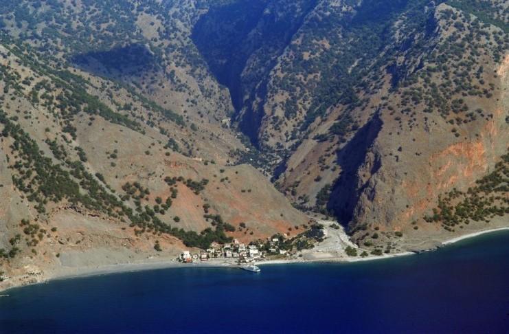 Ο απόρθητος, απομονωμένος οικισμός της Κρήτης που πάντα έβρισκαν καταφύγιο οι κυνηγημένοι Έλληνες