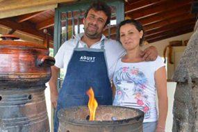 Κρητική ταβέρνα στα Χανιά μαγειρεύει χωρίς ρεύμα τους πιο εκλεκτούς μεζέδες του νησιού