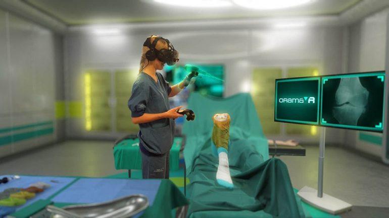 Κρητική εταιρεία έφτιαξε εξομοιωτή χειρουργικών επεμβάσεων εικονικής πραγματικότητας και έκλεισε συνεργασία μέχρι και στην Καλιφόρνια