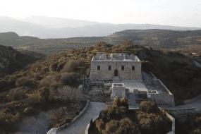 Ένα υπέροχο βίντεο από το εγκαταλειμμένο μεσαιωνικό χωριό της Κρήτης