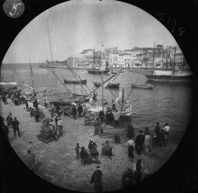 Χανιά, στο λιμάνι