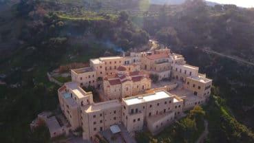Τα μοναστήρια της Κρήτης – Φωτεινά μονοπάτια (ντοκιμαντέρ)