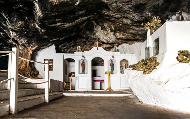 Το σπήλαιο της Μιλάτου Κρήτης στο οποίο σφαγιάστηκαν εκατοντάδες αθώοι