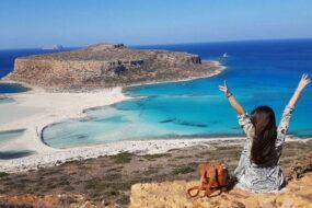 Λιγότεροι, αλλά ενθουσιασμένοι τουρίστες, φέτος, στα Χανιά