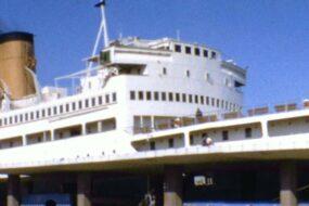 """Πειραιάς 1965 – Αναχώρηση με το πλοίο """"Ηράκλειο"""""""